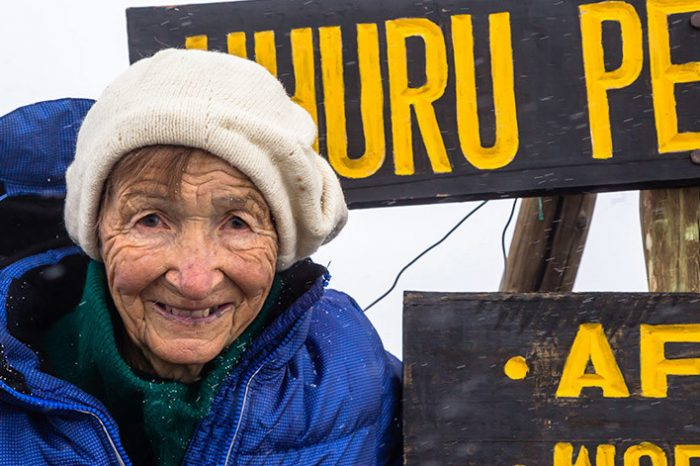 """Angela Vorobyeva la cei """"doar"""" 86 de ani ai săi a reușit să cucerească Kilimanjaro!"""